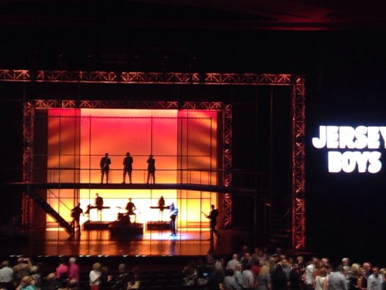 Jersey Boys closing set
