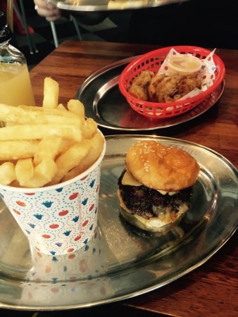 Ringwood, Australia: Burger and fries was great! Unfortunately the 10$ 3pcs chicken tenders are dry and not so good..