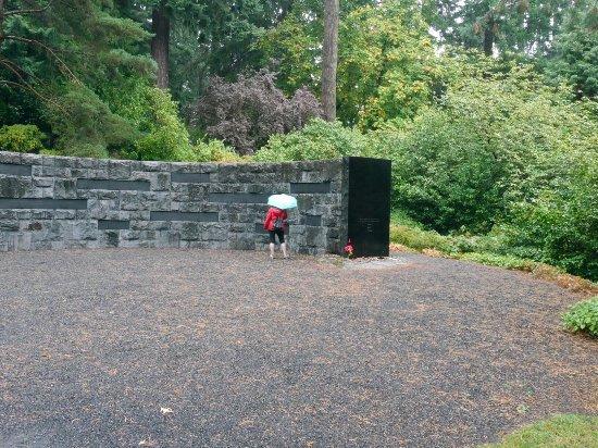 Oregon Holocaust Memorial: 20160917183137_large.jpg
