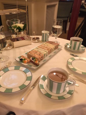 The Foyer At Claridge's: Rare to find a place afternoon tea where all the food is delicious, but they've managed it. Beau