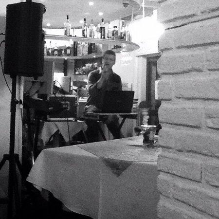 Mediglia, Italien: Pizza e musica