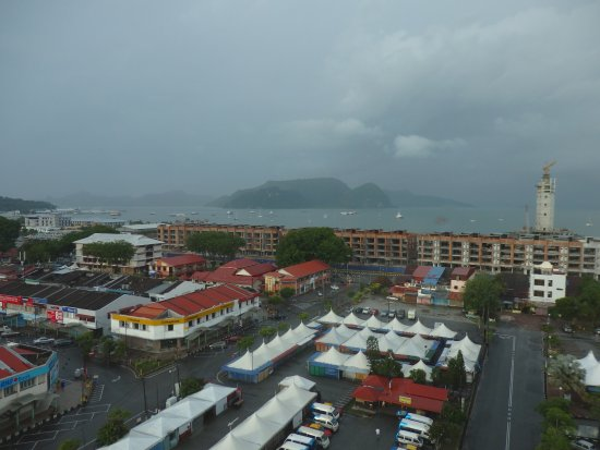 Bayview Hotel Langkawi : From the hotel room overlooking the market