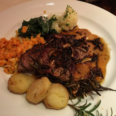 Frome, UK: Lamb Cutlets