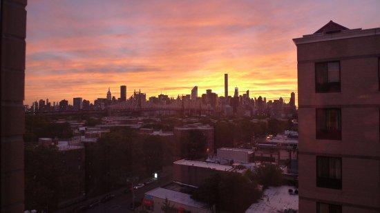 BEST WESTERN Plaza Hotel: Vista di Manhattan al tramonto