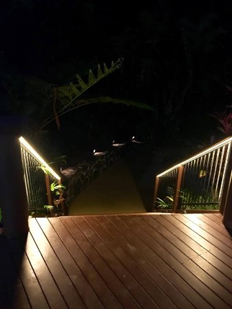 Mooloolah Valley, ออสเตรเลีย: Leading to the pool