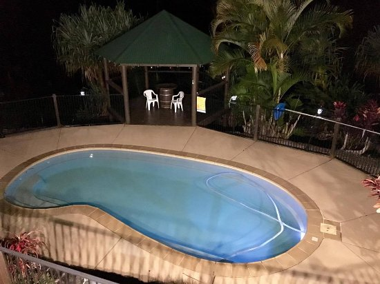 Mooloolah Valley, Австралия: Night time pool