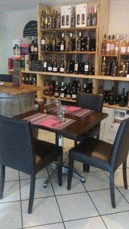 Vernet-Les-Bains, Francia: Resto cave bar à vin