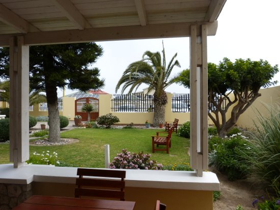Cornerstone Guesthouse: Garten