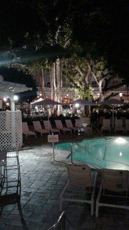 Moana Surfrider Beach Bar Picture Of