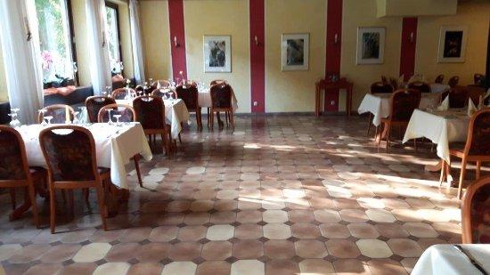 Hotel & Restaurant Krone Riesling: Ansprechender Speisesaal mit Moselblick