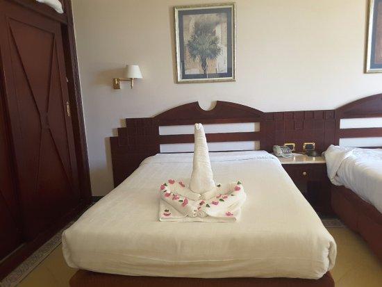 SENTIDO Palm Royale Soma Bay: Bettdekoration