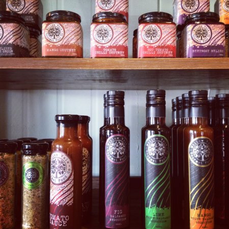 Canungra, Australien: Willow Vale Gourmet Food Co. deli items for sale
