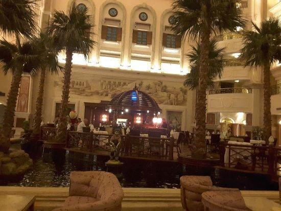 SENTIDO Palm Royale Soma Bay: Lobby und Lobbybar