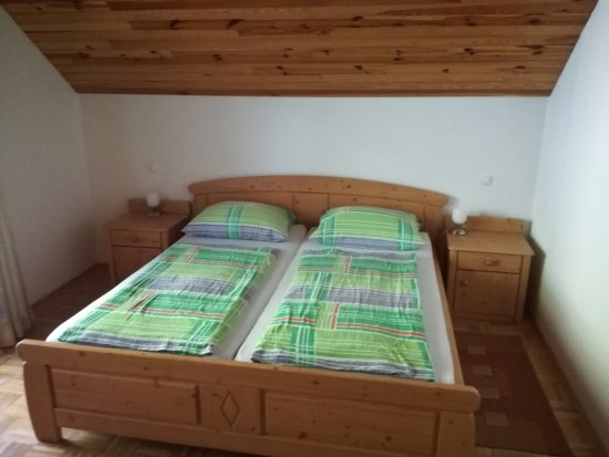 Camera da letto matrimoniale picture of pr matjon bled - Camera da letto matrimoniale ...