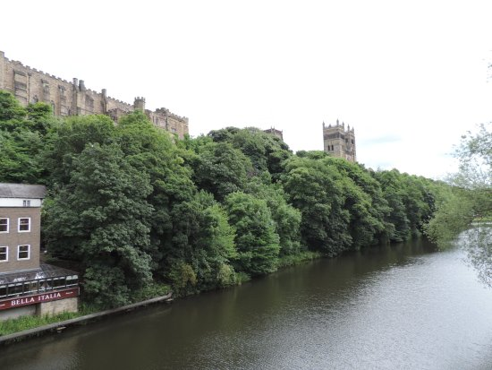 Glossop, UK: Durham