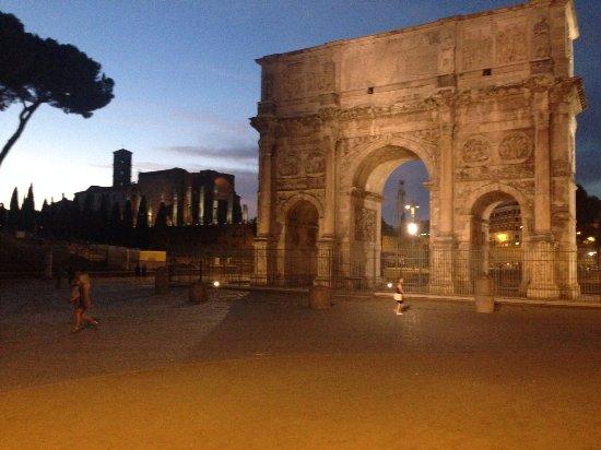 Aklesia Suite B&B - Colosseo: večerní procházka