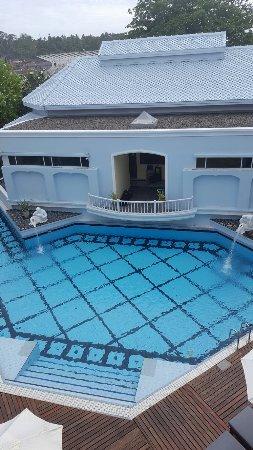 Andaman Seaview Hotel: 20160916_155319_large.jpg