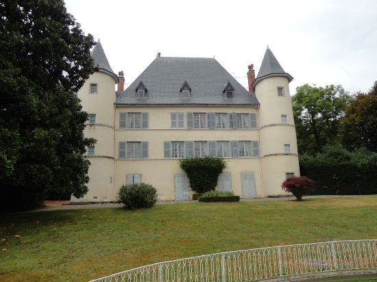 ‪Chateau Servien‬