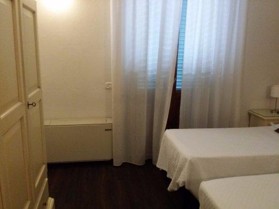 Escaleras. No hay ascensor - Picture of Soggiorno Lo Stellino, Siena ...
