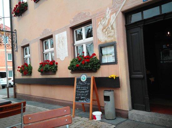 Buttenheim, Germania: Blick auf den Eingang
