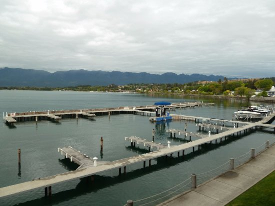 KwaTaqNuk Resort & Casino: Lake view