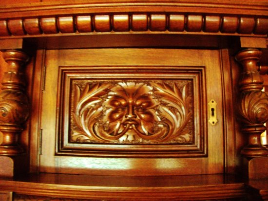 Leach Botanical Garden: Green Man Carving In Manor House Furniture