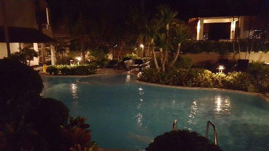Phi Phi Banyan Villa: 20160917_224256_large.jpg