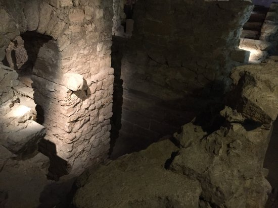 Archeological Crypt of the Parvis of Notre-Dame: photo1.jpg