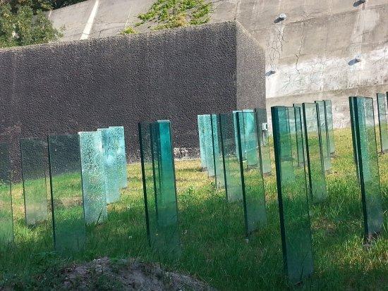 Chatam Sofer Memorial : Symbol to the Cemetery