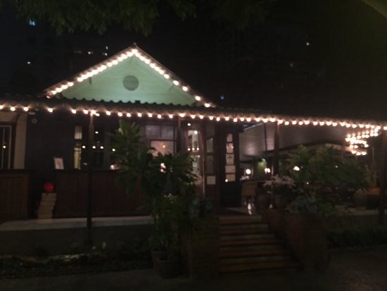 Tasty food in a comfy, unique ambience