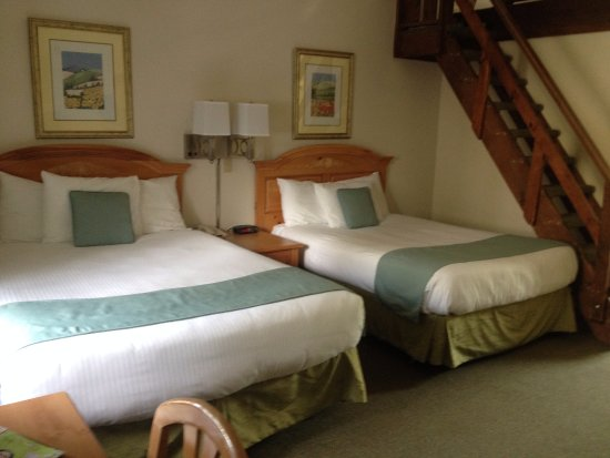 Sun & Ski Inn and Suites: The loft suite, downstairs