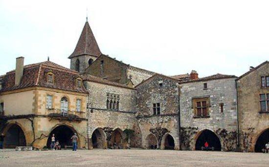 place de Monpazier