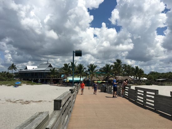 Venice, FL: Sharky's On The Pier