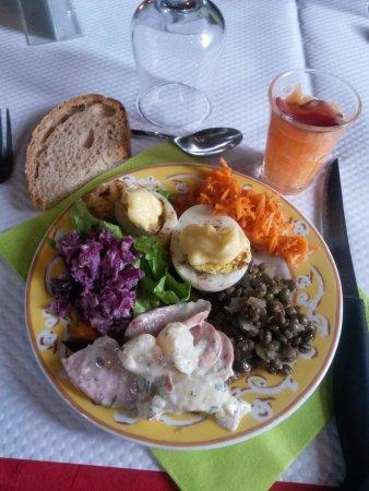 Guingamp, Francia: Buffet des entrées