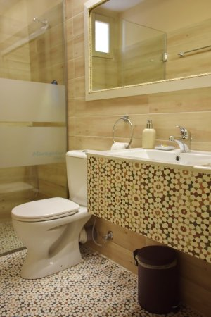 Maragakis Hotel: SINGLE ROOM / BATHROOM