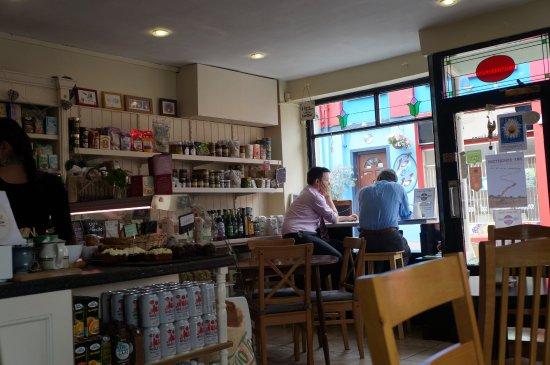 Athlone, Irlanda: Le restaurant fait aussi boutique