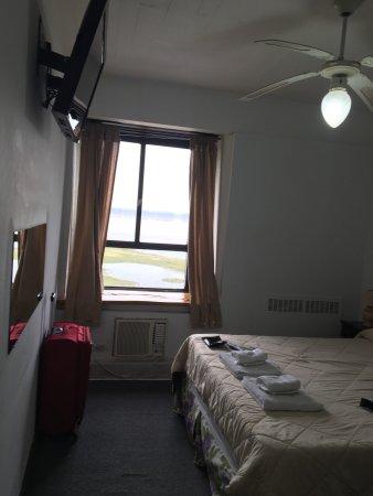 Hotel Aguas del Monte: Habitaciones chicas y descuidadas