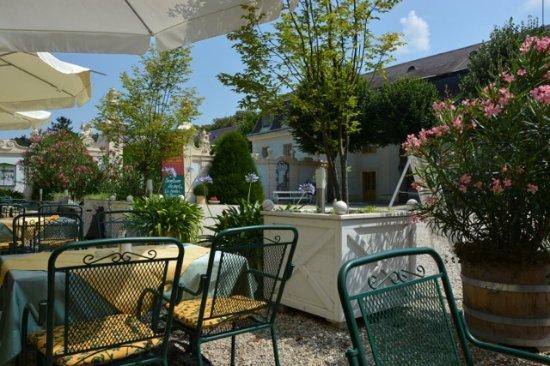 Halbturn, Österreich: View on the terrace of Knappenstöckl restaurant