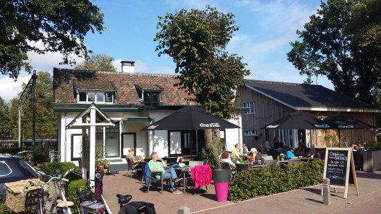 Nunspeet, Belanda: Nice terrace in the sun