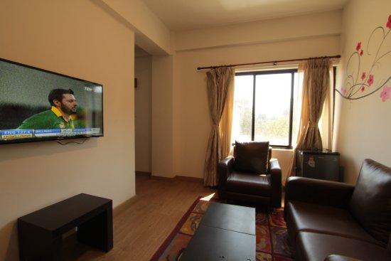 Gaju Suite Hotel: Suite interior