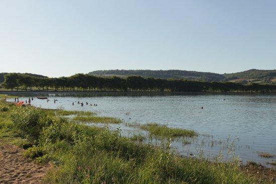"""Vandenesse-en-Auxois, Francja: Es gibt auch einen echten """"Sandstrand"""""""