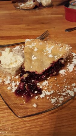 Anna, IL: Homemade blueberry pie by the owners mom!  WONDERFUL!