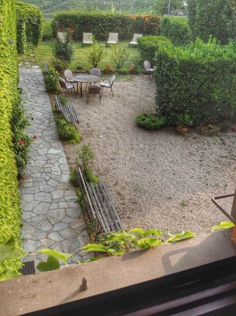 Cascina delle Rose : The garden from my balcony