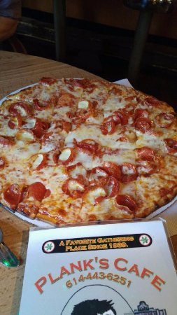 Plank's Cafe & Pizzeria on Parsons: pizza