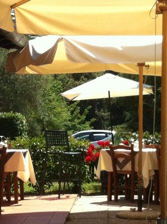 Capannori, Italia: Tavoli all'aperto