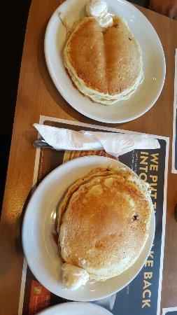 Eustis, FL: Breakfast Sunday Morning