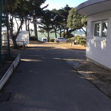 Prefailles, Francia: dans le terrain, la vue sur mer