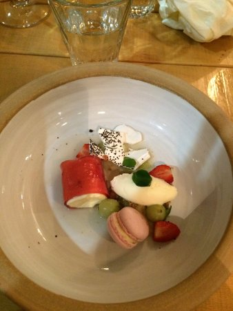 Newport-on-Tay, UK: Pittormie goosberries, elderflower, stawberry and creme fraich