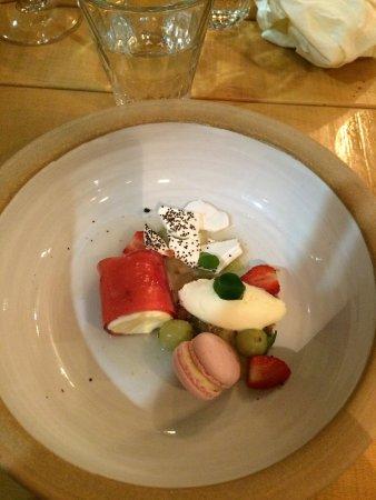 Newport-on-Tay, UK: Pittormie goosberries, elderflower, stawberry and creme fraich