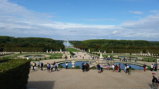I Louvre Paris: Versailles looking to Grand Canal